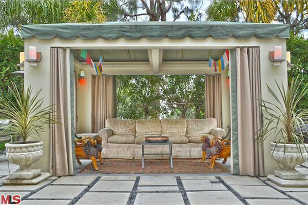 Trulia-Celeb-StanLee-house7-600x400