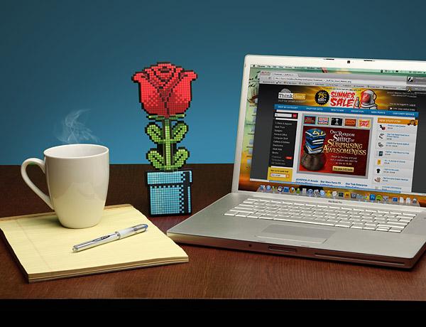 f2a4_8-bit_rose_desk