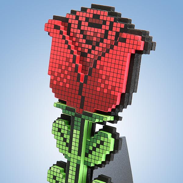 f2a4_8-bit_rose_detail