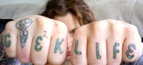geek-life-bad-knuckle-tattoo