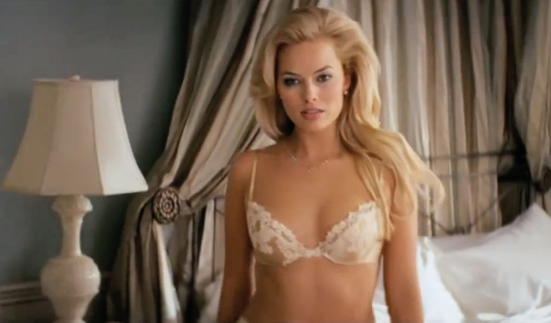 Is margot robbie nude in suicide squad