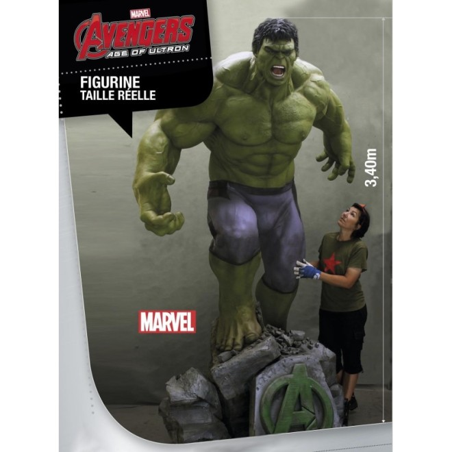 It contains a secret department to hide your smaller Hulk statue.