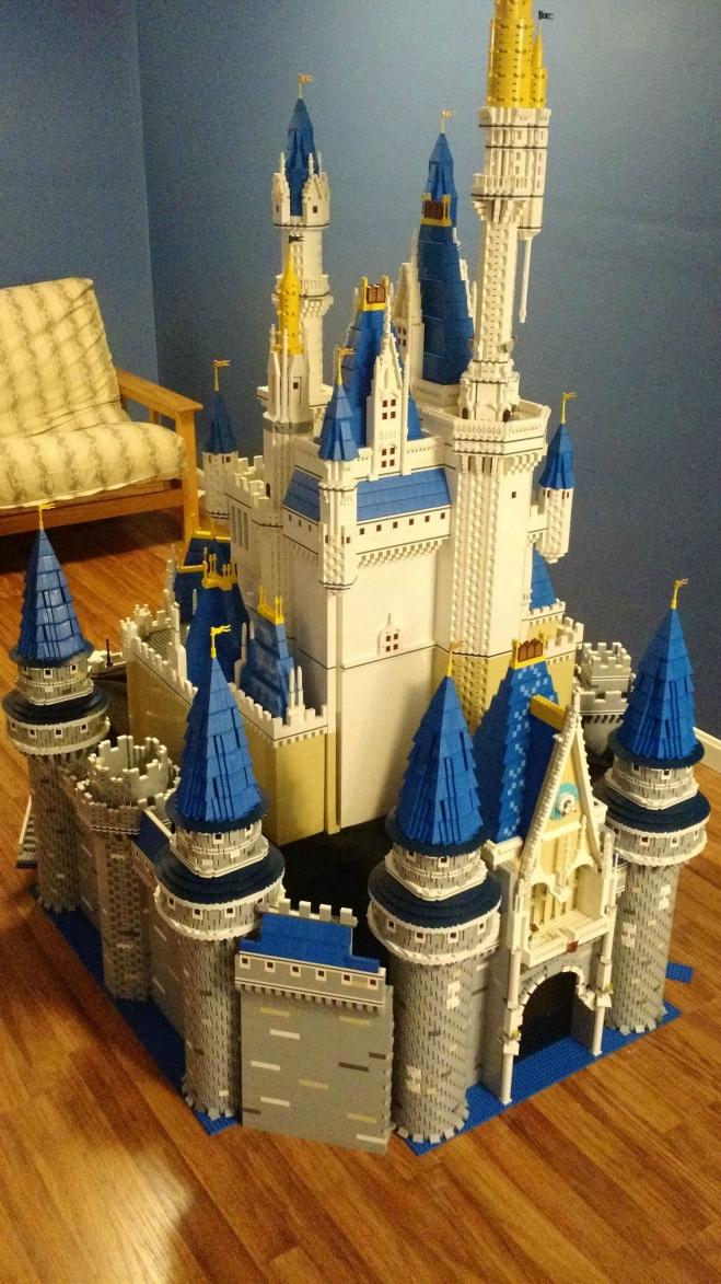 LEGO-Cinderella-Castle-2-06052015