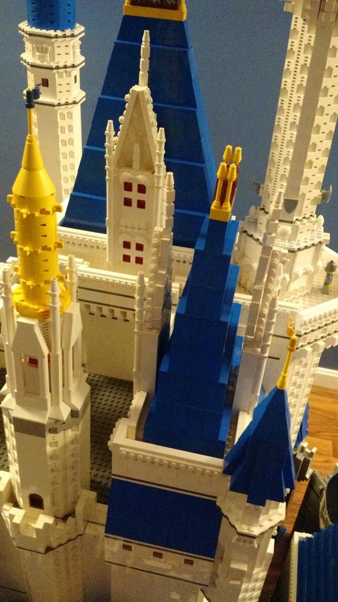 LEGO-Cinderella-Castle-4-06052015