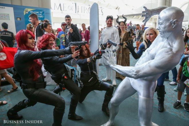 a-team-of-black-widows-takes-on-the-silver-surfer
