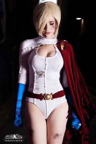 dc-comics-power-girl-cosplay
