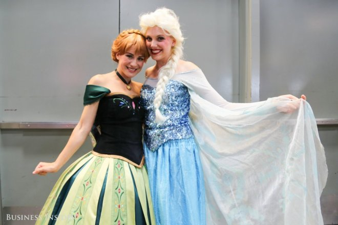 frozen-cosplay-is-as-popular-as-ever