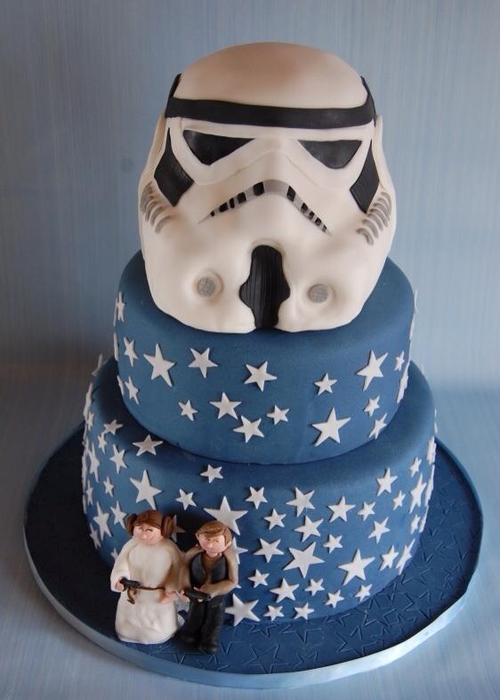 Star-Wars-Stormtrooper-Wedding-Cake