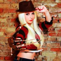 Awesome Cosplay Of The Day: Female Freddy Krueger
