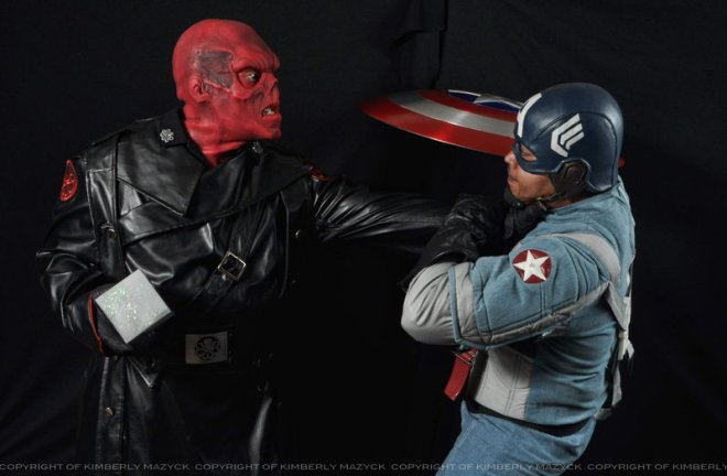 captain_america_and_red_skull_cosplay_by_kimberlystudio-d522bv4