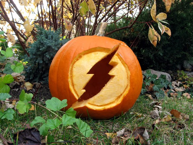 Halloween-Pumpkin-Flash-Logo