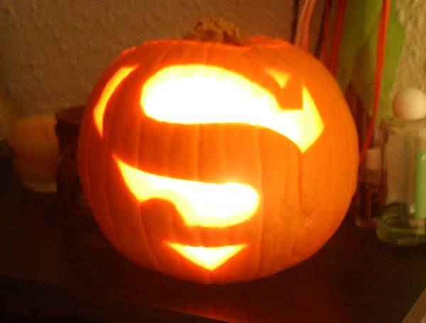 This pumpkin is super.  So too is your power of costume procrastination.