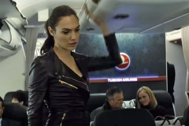 wonder_woman_on_a_plane